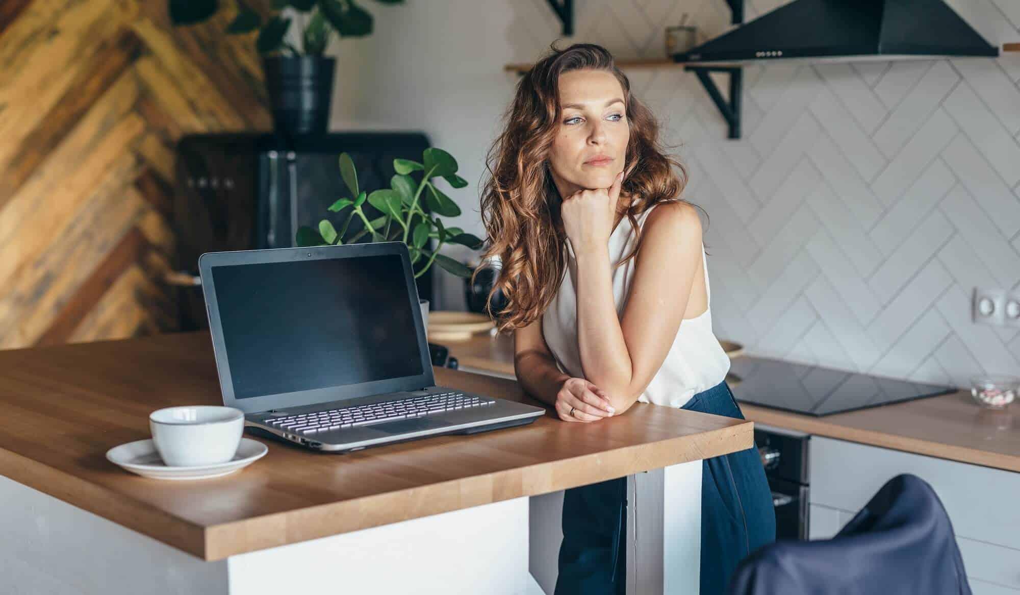 Mobbing w pracy zdalnej, mobbing online